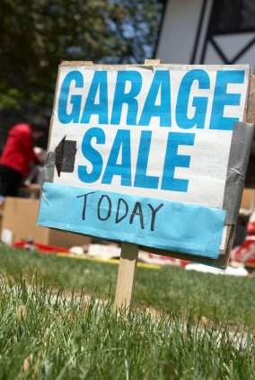 Post image for 5 Tips to Take Advantage of Garage Sales